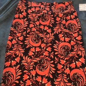 Bnwt black floral lularoe Cassie skirt medium M